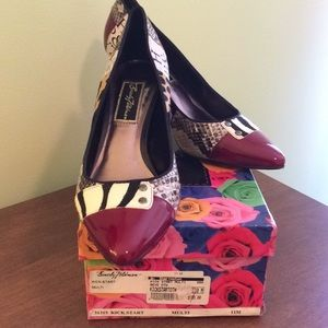 Beverly Feldman pumps sz 11 EUC. Super fun design